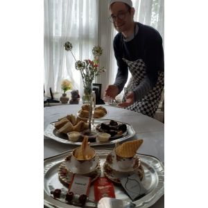 Afternoon cream tea de luxe ( Perfect gift for Fathers Day?) For 1 Person