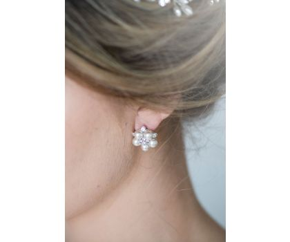 Tilly Floral Pearl Earring