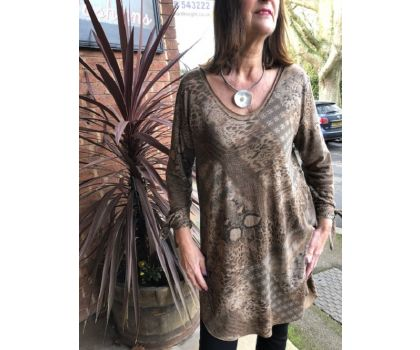 Made In Italy - Long V Neck Tunic Top